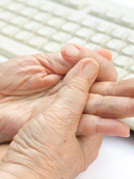 היד הפגועה חזרה לתפקד בעקבות טיפולים של אורן זריף