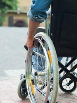 לאחר 12 שנה: חולה שלקתה בארוע מוחי קמה והחלה ללכת!